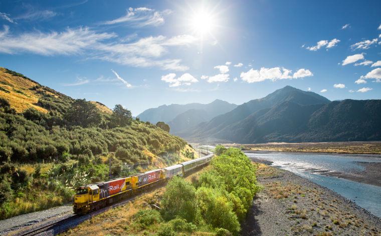 Recorre el mundo a bordo de un tren