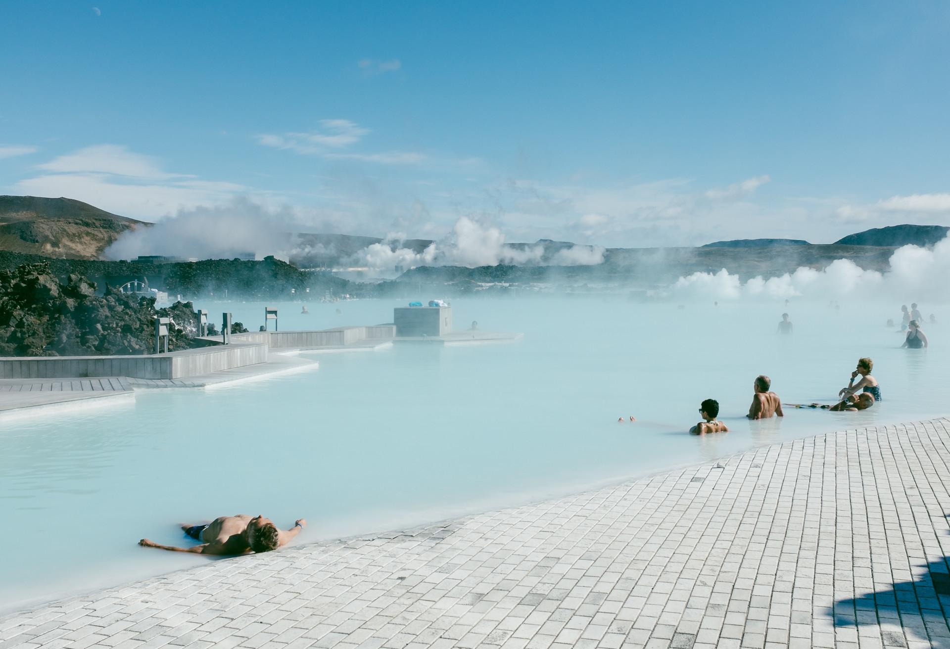 En Reikiavik, la capital de Islandia, puedes hacer escala unas horas o unos días y disfrutar de la naturaleza y vivir nuevas aventuras