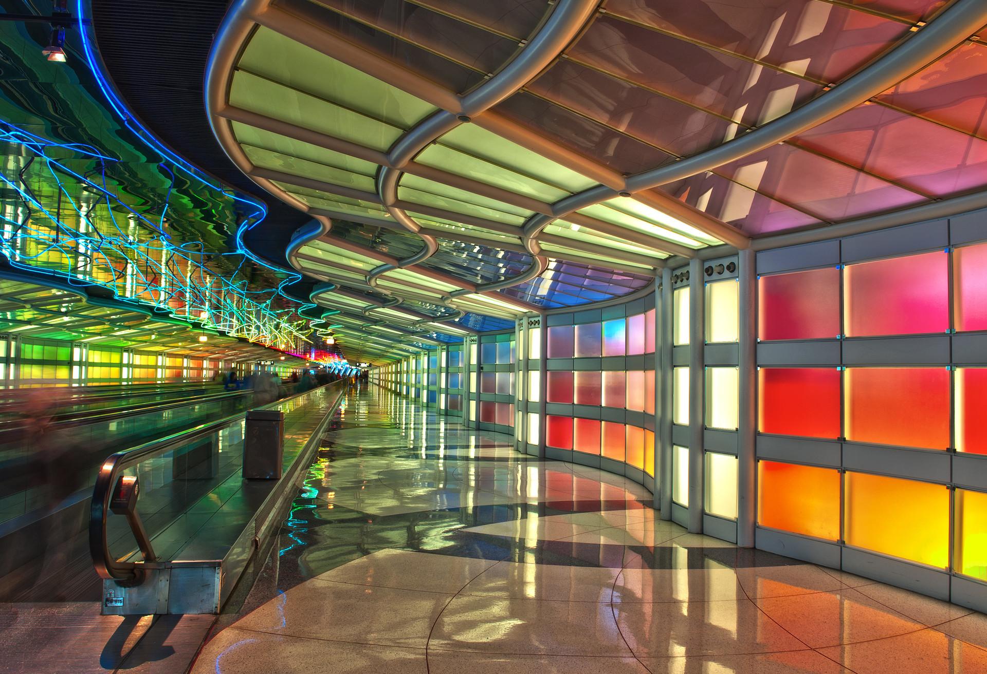 La exposición de arte «Sky's the Limit» conecta el vestíbulo B y C en el aeropuerto O'Hare de Chicago